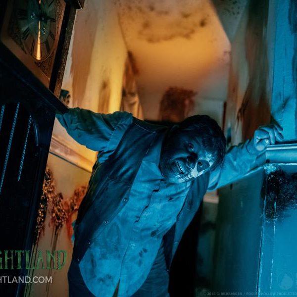 hallway ghoul2